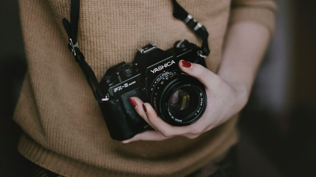 What is the best camera to buy for a beginner photographer