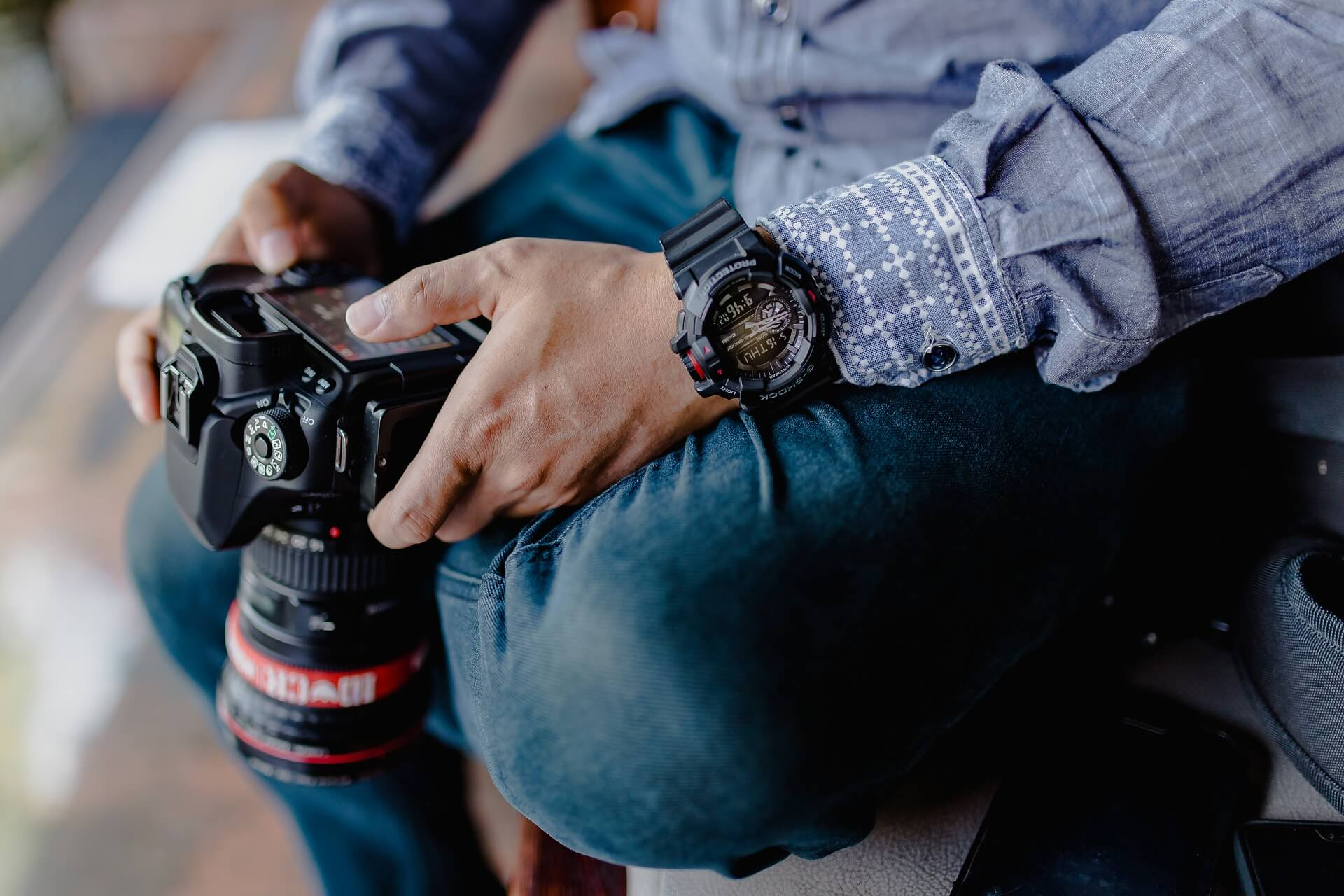 how to become a commercial photographer